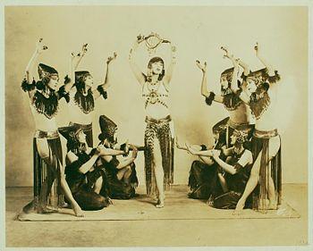 Wipedia_Denishawn school(デニショーン舞踊団)
