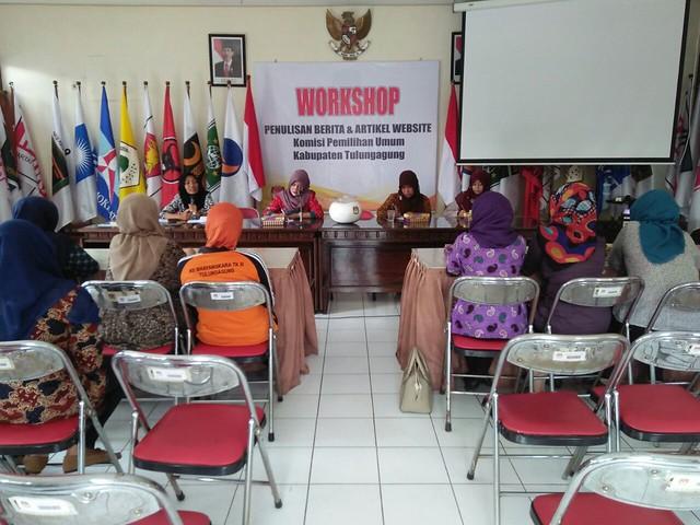 Suasana arisan DWP KPU Kab.Tulungagung(22/7)