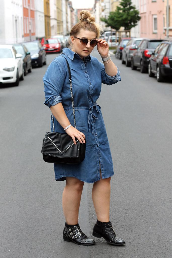 outfit-europapassage-jeanskleid-sommer-trend-look-modeblog-fashionblog-stiefeletten-chloe-lookalike7