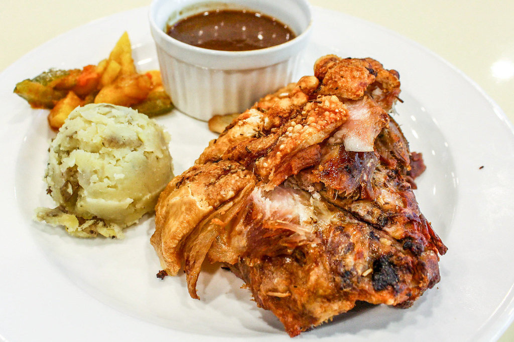 Fancy Hawker Food: Otto Berlin Haus Pork Knuckles Side