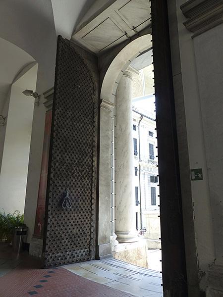 porte du palais ducal de Gênes