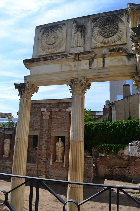Lo que queda del esplendido Foro romano de Mérida