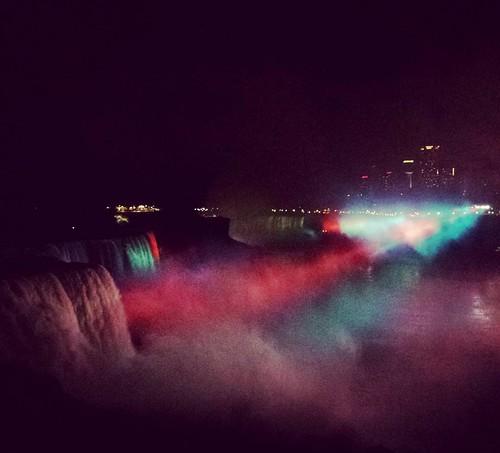 Darkness falls on Niagara Falls #niagarafalls #wny