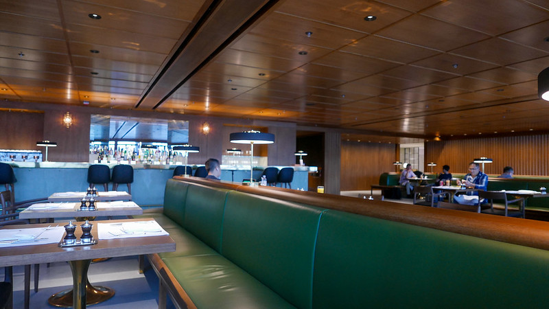 REVIEW - Cathay Pacific Pier First Class Lounge HKG - Hong Kong - Jarvis Marcos