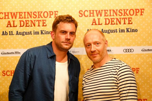 """Sebastian Bezzel und Simon Schwarz live im CINEWORL bei der Preview von """"Schweinskopf al dente"""" - August 2016"""