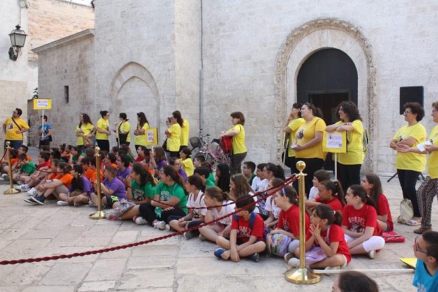 Noicattaro. Conclusione Estate Ragazzi Chiesa Madre intero