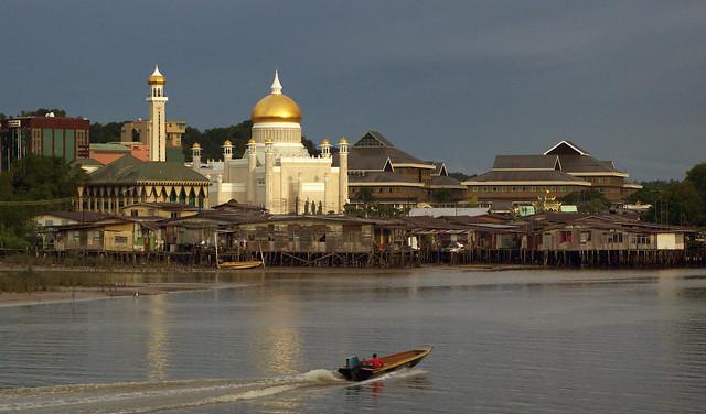 Sultan Ulmar Ali Saifuddien Mosque.Brunei.