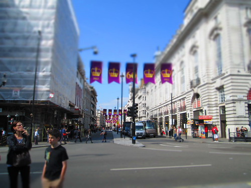 Picadilly Circus Fortnum Street