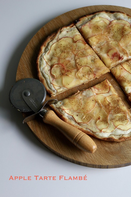 apple tarte flambé
