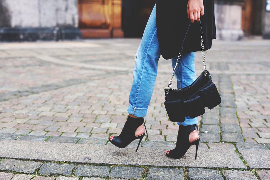boyfriends jeans boots bag