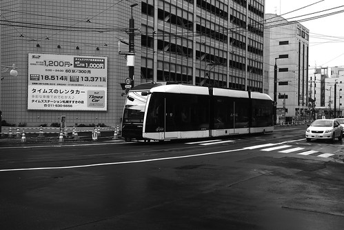 Tramcars at Sapporo in early morning on JUL 20, 2016 (23)