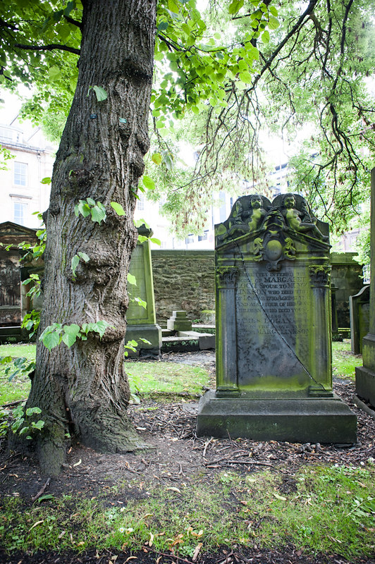 Visiting Greyfriars Kirk when traveling Edinburgh with kids