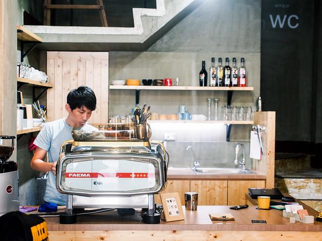 嘉義/西區–在地新型咖啡館–咖啡外漏 LUMIE'RE CAFE