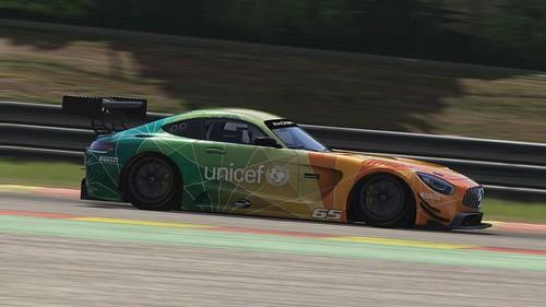 Mercedes AMG GT3 - Unicef (5)