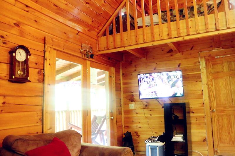 log-cabin-livingroom-11