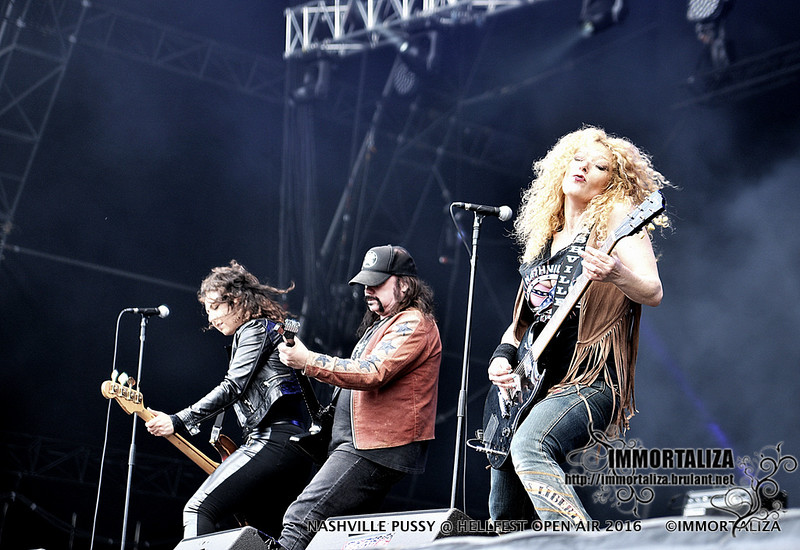 NASHVILLE PUSSY  @ HELLFEST OPEN AIR 2016 CLISSON FRANCE 29394999860_4ee6164d27_c