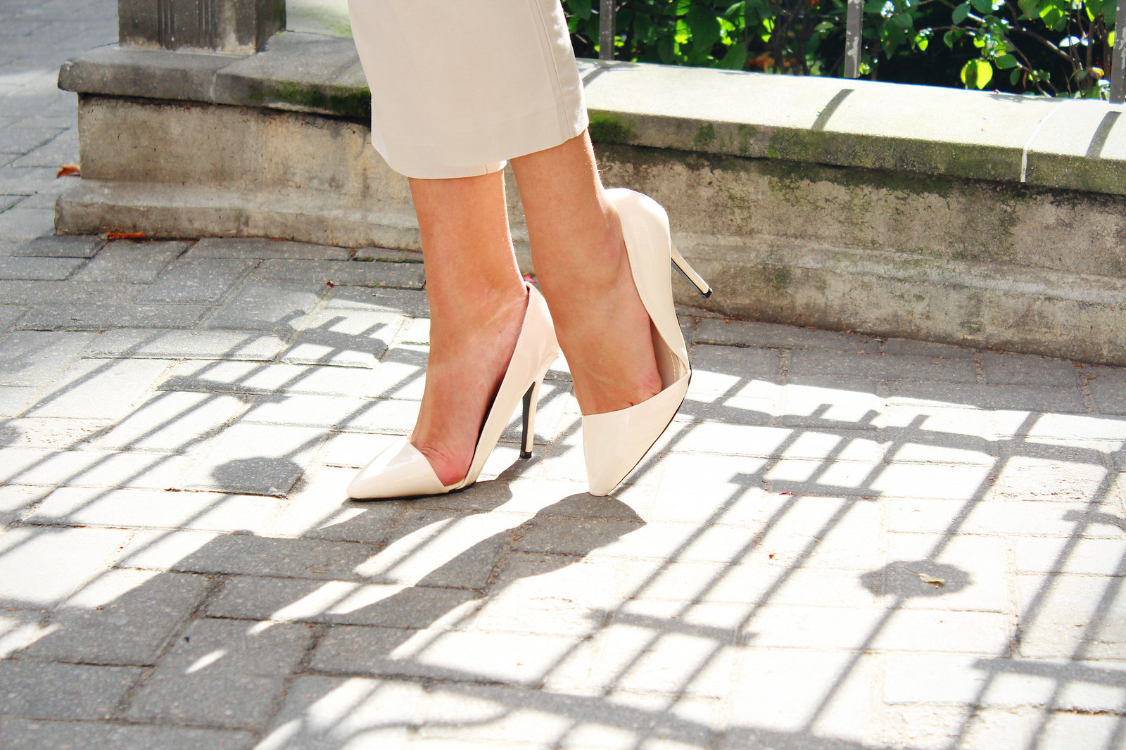 Quiz clothing pointed  heels