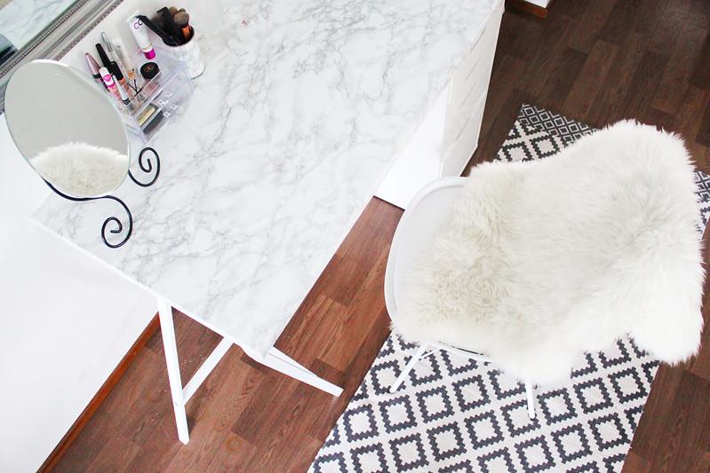 marmoripöytä meikkipöytä blogi