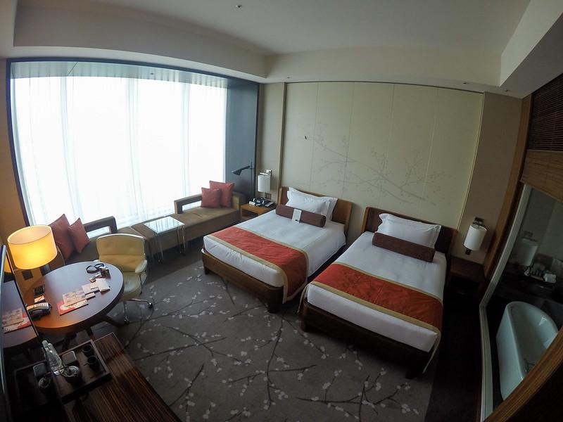 28058629244 ebff0a71fe c - REVIEW - Conrad Tokyo (Executive City Twin Room)