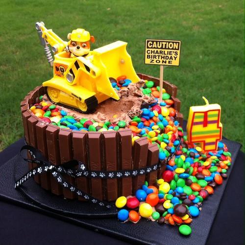 PAW PATROL 'RUBBLE' BIRTHDAY CAKE