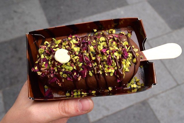 Build Your Own Magnumn at the Magnum Pleasure Store Pop-up, London | www.rachelphipps.com @rachelphipps