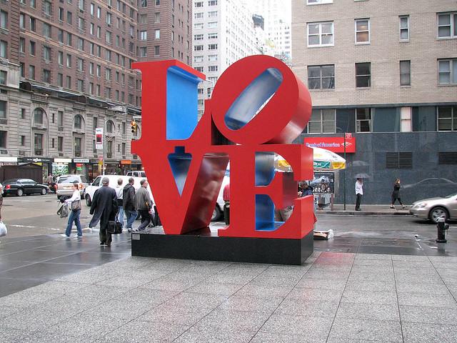 ロバート・インディアナ『LOVE』