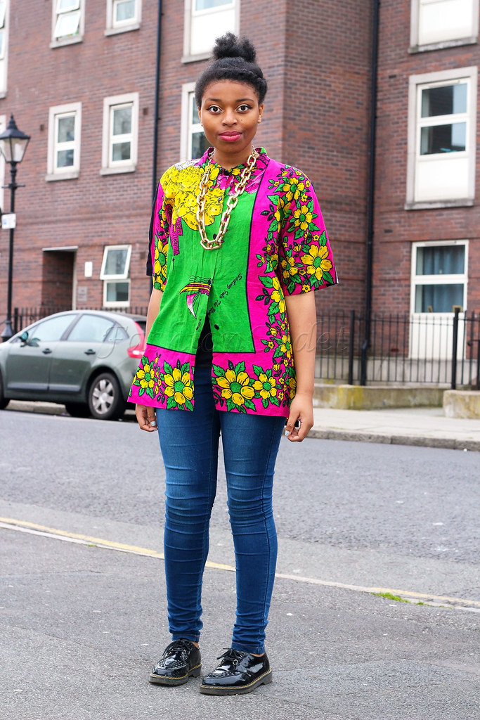how-to-style-an-oversized-shirt-with-skinny-jeans,oversized shaped blouse, yellow, green & fuschia floral print shirt. Oversized yellow, green & fuschia floral print shirt, how to wear womens oversized shirt