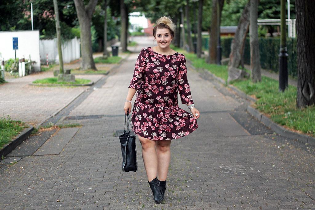 outfit-europapassage-kleid-blumen-sommer-trend-modeblog-fashionblog