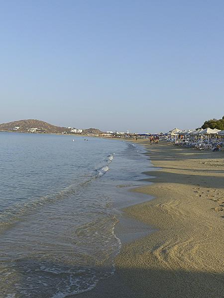 la plage de Naxos le matin
